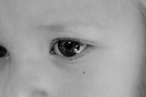 the_innocent_eyes_of_a_child_by_olivia_mira-d3bur9k